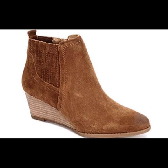 713b36fd72f Franco Sarto Shoes - Franco Sarto Booties Wayra 7.5